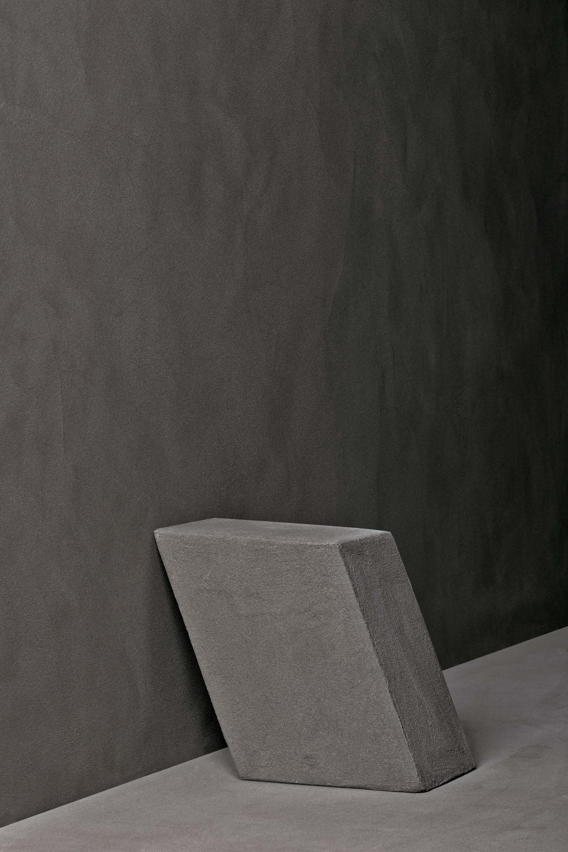 Matteo Brioni Volume made with TerraVista Smooth Pepe Nero, design by Studio Irvine, photo by Marco Cappelletti