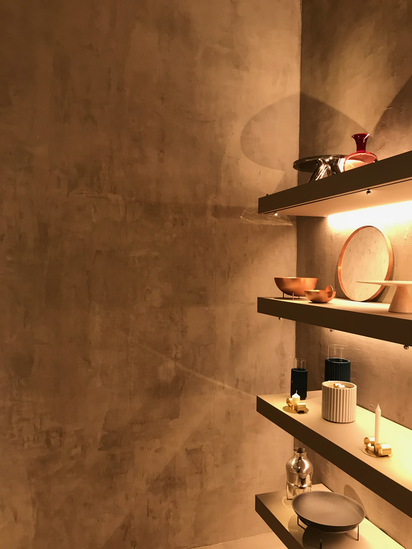 Shop Paola C in Milan by Aldo Cibic, made with TerraVista Wabi Sale Grigio by Matteo Brioni